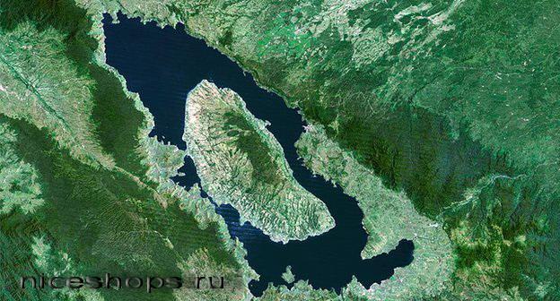 Vulkan-na-ozere-Toba-v-Indonezii