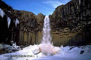 samye-krasivye-mesta-v-mire-nerukotvornye-bazaltovye-kolonnady