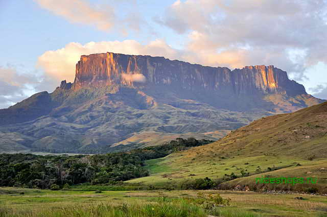 stolovaya-gora-Kukenan-Tepuy-venesuela