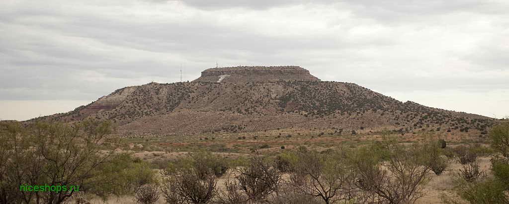 stolovaya-gora-Tucumcari-Mountain-New_Mexico