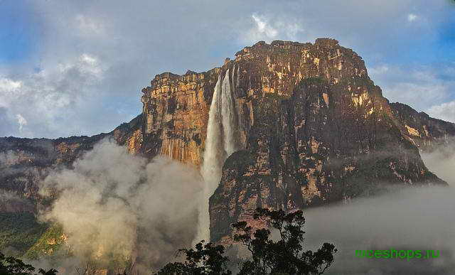 stolovaya-gora-auantepui-vodopad-Angel-venesuela