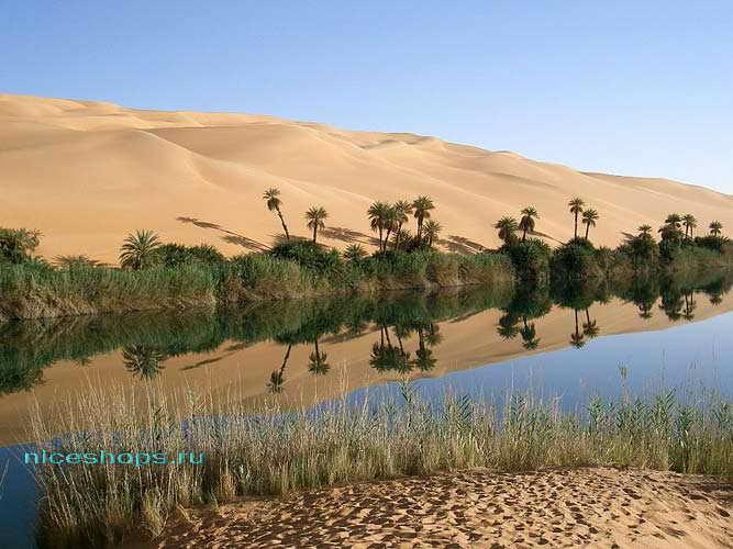 Озеро Убари в Ливии, пустыня Сахара
