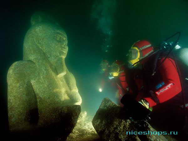 Подводный город возле Александрии в Египте