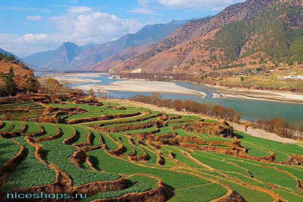 Крупная река Евразии Янцзы в Китае