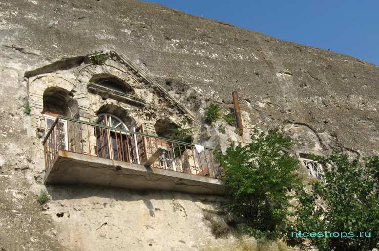 Монастырь Инкерман в скале