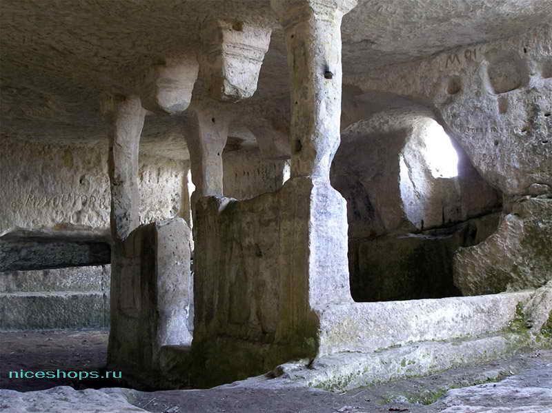 Пещеры крымского города Кыз-Кермен