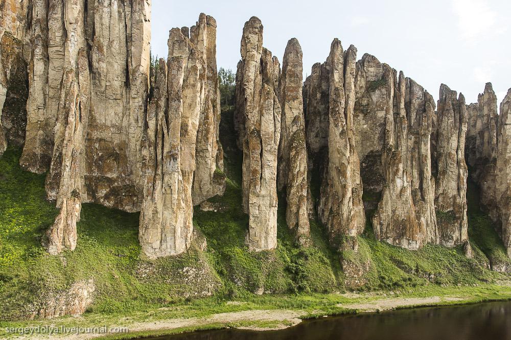 Ленские столбы над рекой