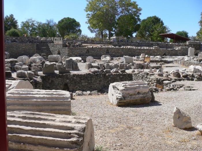 Руины Галикарнасского мавзолея в Бодруме