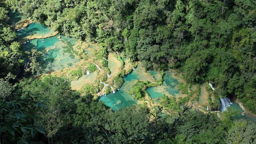 Горные террасы Семук Чампей в Гватемале