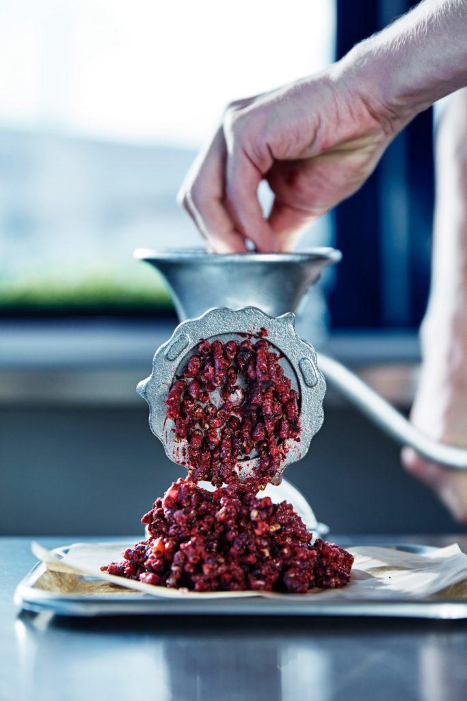 Еда будущего - кетчуп из свеклы и ягод