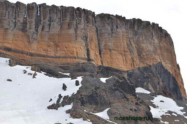 stolovaya-gora-Brown_Bluff_Antarctida