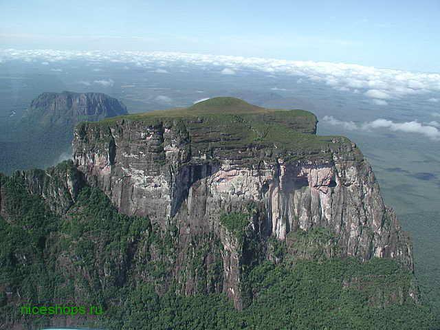 stolovaya-gora-Cerro-Autana