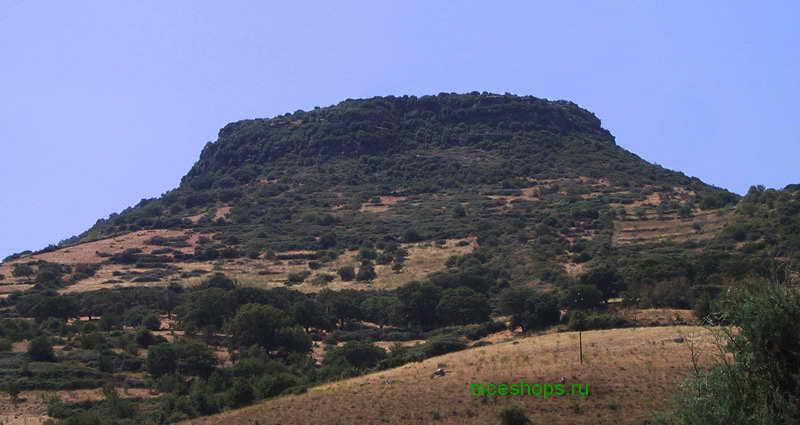 stolovaya-gora-monte-santo-siligo-sardiniya-italiya