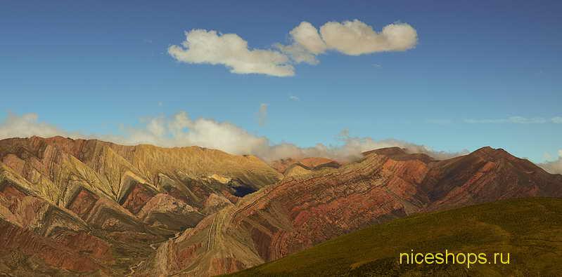 neobychnyj-prirodnyj-raznocvetnye-gory-argentina