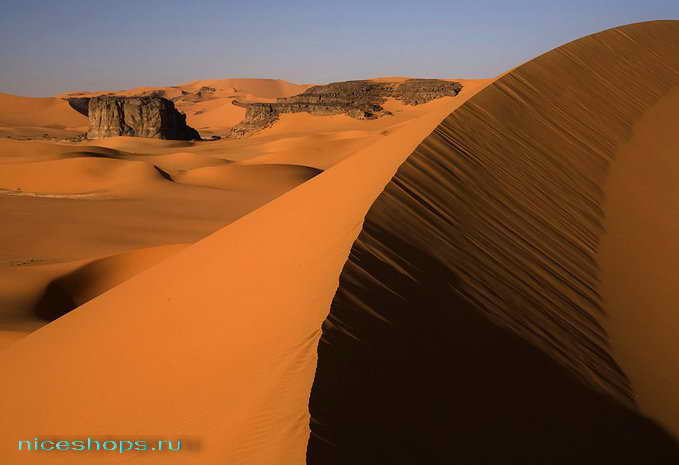 Песчаные барханы пустыни Сахары