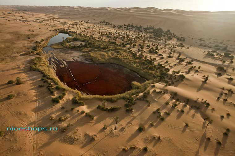 Озеро Трона в пустыне Сахара