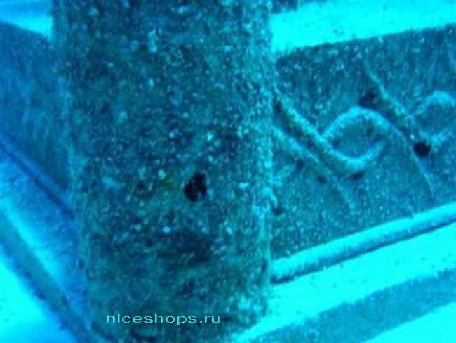 Каменные здания древнего подводного города