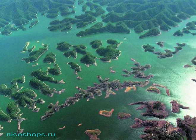 Озеро в Китае с подводным городом
