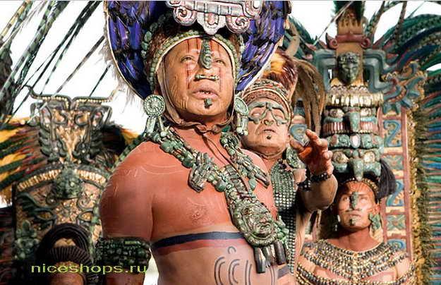 Майя и ацтеки первые столкнулись с испанцами при открытии Америки
