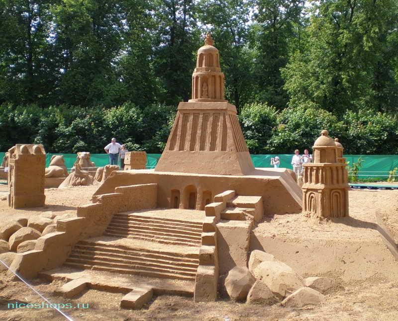 Александрийский маяк из песка