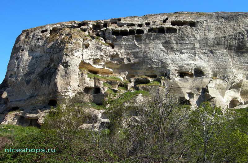 Пещерные города в горах Крыма